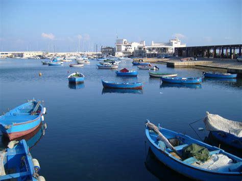 bari port bari internalanza fishermen port photo