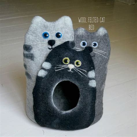 pet beds diy pyramid igloo house for cats and dogs sewing 39 best cat bed images on pinterest cat beds cat cave