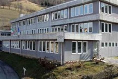 scuola alberghiera carlo porta di recoaro studentessa di 14 anni muore durante l ora di