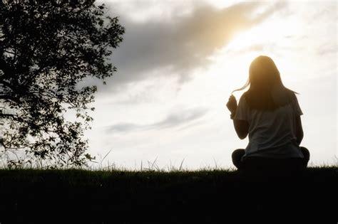 imagenes mujeres en soledad soledad copiar mujeres tristeza casual solitario