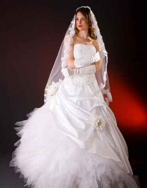 christmas wedding dresses slideshow