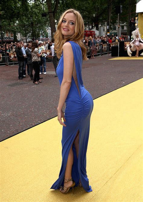 Heather Graham Looking Hot : pics
