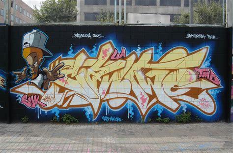 graffiti can can two graffiti wow writing graffiti