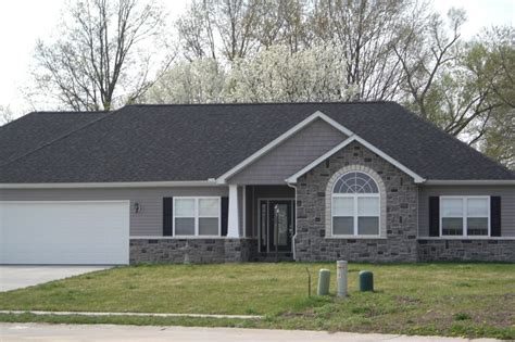 Ranch Style Trim Gray Siding White Trim Stone Raised Ranch Google