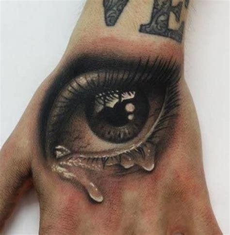 3d tattoo hand video 20 inspiring 3d tattoos on back shoulder
