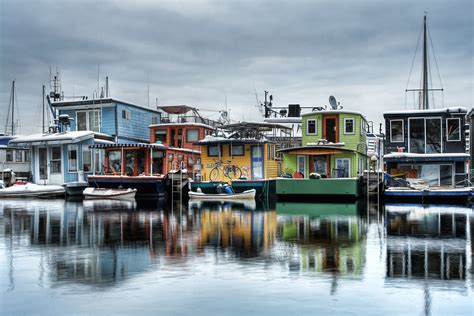 the boat house inn living on water seattle houseboats