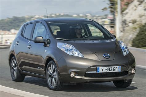 Nissan Leaf Range 2015 by Nissan Leaf 30kwh Review 2015 Drive Motoring Research