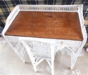 White Wicker Vanity Chair Antique Shabby White Wicker Vanity Desk W Chair Ebay