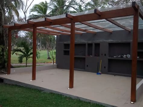 differences between wooden and pvc pergolas luxury screens