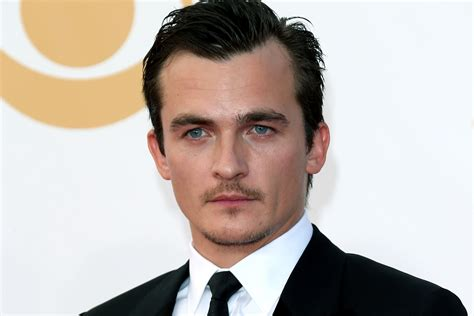 Search Friend By Email Rupert Friend Spotted At Jfk After Shocking Homeland Finale Page Six