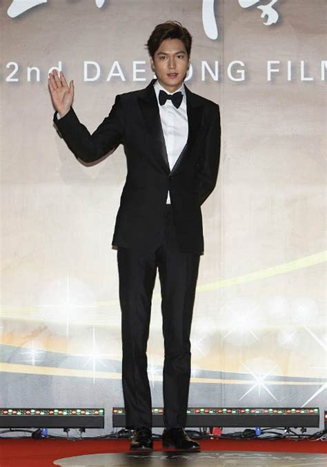 lee min ho biography height lee min ho body statistics height age weight