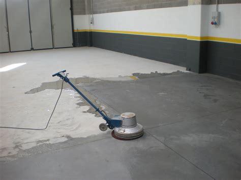 quarzo per pavimenti foto pulizia di fondo preparazione pavimento al quarzo di
