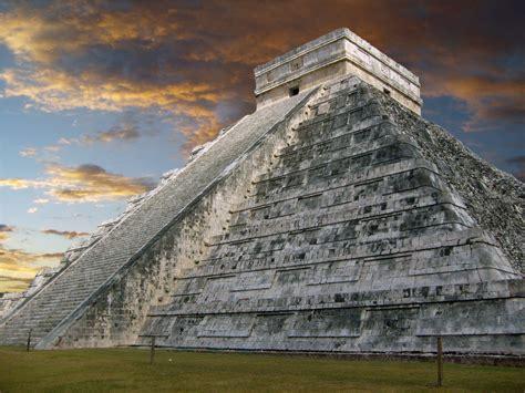 imagenes de vestigios mayas 35 historically rich photos of the pyramid in yucatan