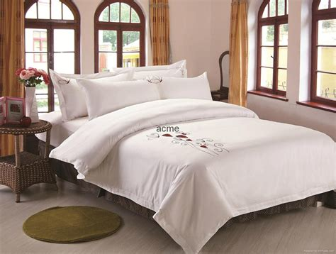 what comforters do hotels use wholesale cheap used hotel bedding china manufacturer