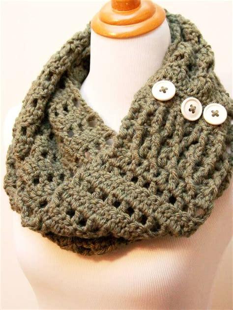crochet diy 11 diy warm cozy crochet scarfs diy to make