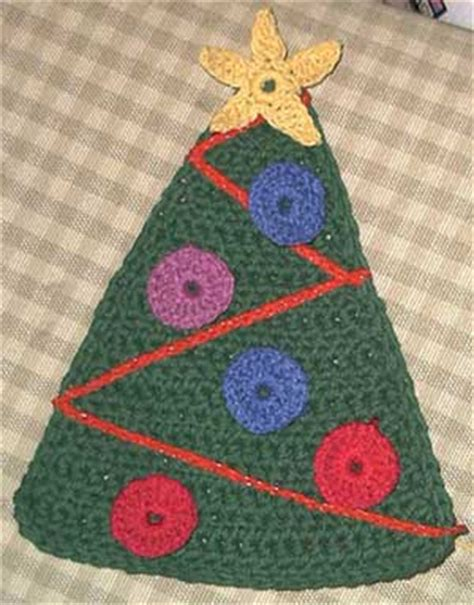 fun and kitschy christmas crochet from the internet