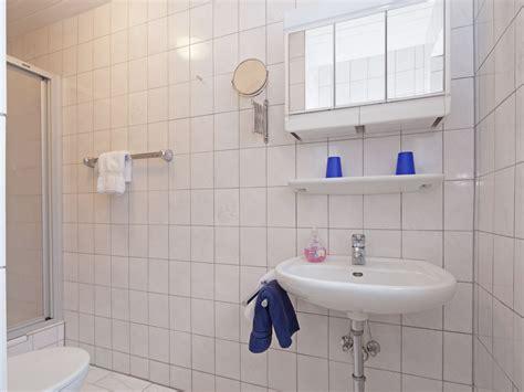 wd badezimmer ferienwohnung haus seeigel strandflieder ostfriesische