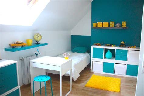 couleurs chambre enfant d 233 coration chambre enfant bleu et jaune deco
