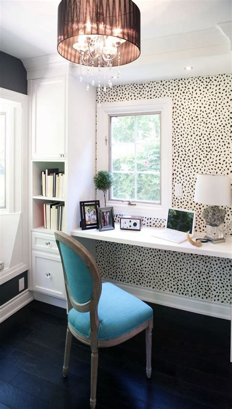 wallpaper accent walls   worth pinning digsdigs