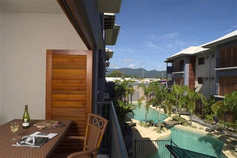 southern cross appartments condo hotel southern cross atrium cairns australia