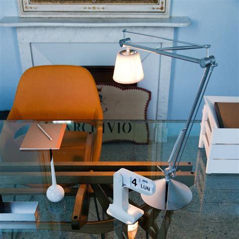 tolomeo tavolo tolomeo basculante tavolo table l artemide