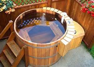 Hydrotherapy Bathtubs Natural Cedar Tubs For Outdoors Digsdigs