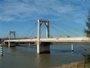 Pont A Haubans Materiaux