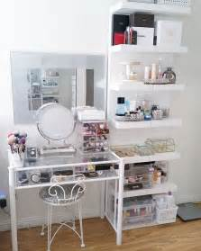 Small Makeup Vanity Setup Makeup Vanity Ideas For Small Es Makeup Vidalondon