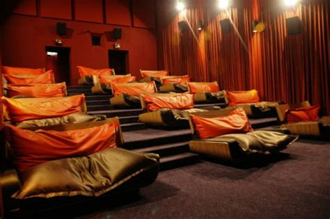bean bag cinema 6 theaters that will let you their in bed