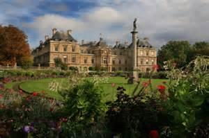 architecture of palais du luxembourg et jardin