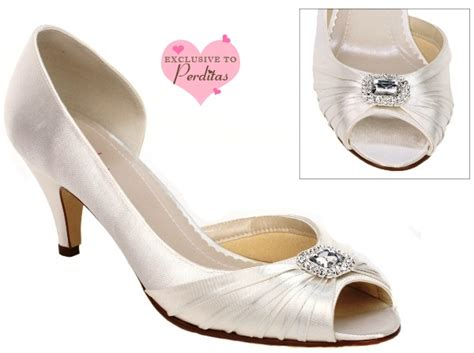 comfort wedding shoes ivory dyeable satin bliss comfort bridal shoes wedding