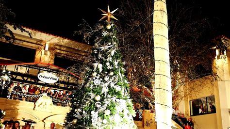naples tree lighting 2017 naples third street south 2014 christmas tree lighting