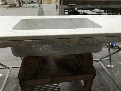 piani di marmo per cucine piano e top cucina in marmo bianco di carrara canalmarmi