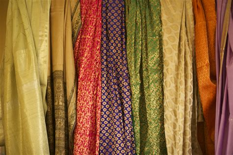 Mukena Amaly Sari India Ekslusif vintage textiles made with a purpose