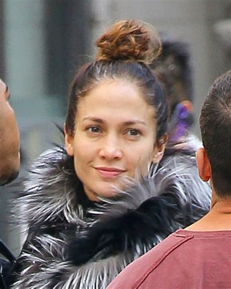 what red lipstick dows jennifer lopez wear 78 best images about stars without makeup on pinterest