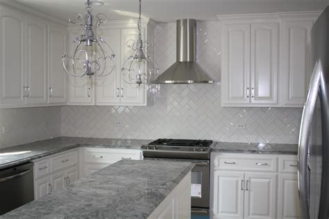 White Kitchen Cabinets Gray Granite Countertops by Gray Kitchen Cabinets With White Countertops Quicua