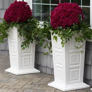 Outdoor flower planters ideas tall outdoor planters with a variety of