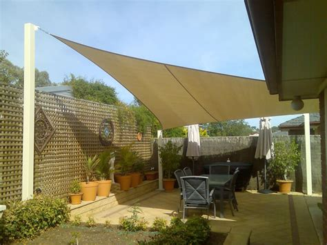 shade sail backyard