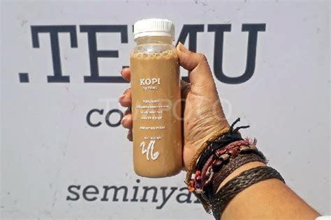 Kopi Raisa menikmati getaran bali pada es kopi kafe titik tamu milik