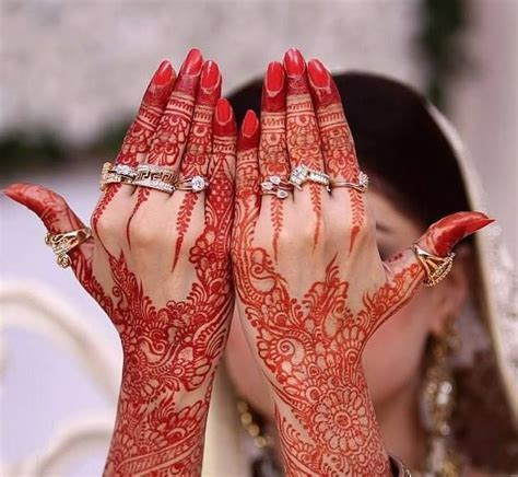 25 Simple Easy and Beautiful Mehndi Designs for Hands 2017