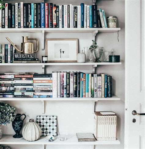 23 gorgeously organized bookshelves to inspire your new