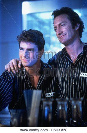 film cocktail tom cruise italiano completo cocktail 1988 bryan brown tom cruise sunglasses