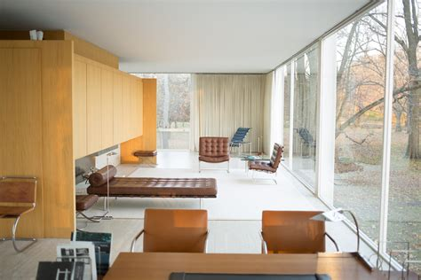 Mies Vandero Chair by File Farnsworth House By Mies Der Rohe Interior 2