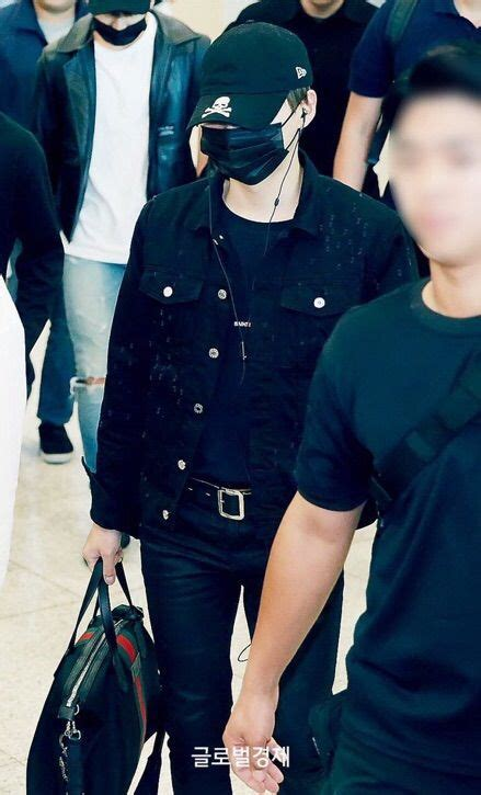 Wedges Lv 1329 170527 prev bts at incheon airport army s amino