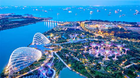 Singapore Gardens By The Bay by Gardens By The Bay Singapore S Futuristic Green Space