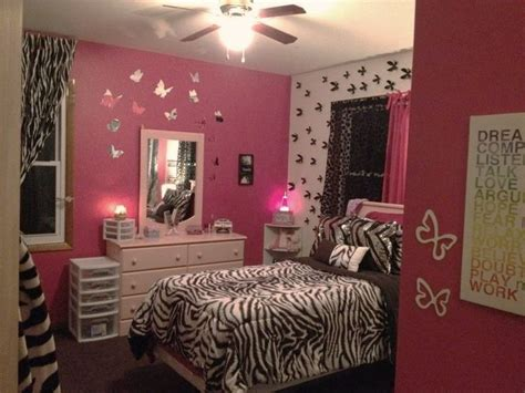 zebra and pink bedroom 25 best ideas about pink zebra rooms on pinterest pink 17904 | d1bb46c497337ff196f0d111cc891e5b