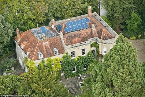 george clooney home angelina jolie and george and amal clooney have eight houses between them daily mail online