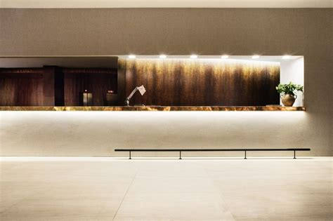 gallery  square  hotel isay weinfeld    commer lobby banque daccueil cave