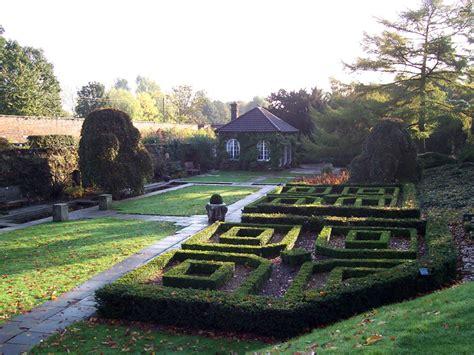 Wentworth Gardens wentworth woodhouse gardens