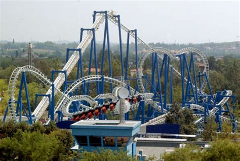 themes parks in italy gardaland italy s largest amusement park offers fun for